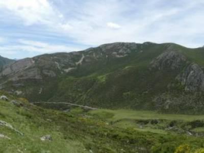 Montaña Palentina.Fuentes Carrionas; ruta de los almendros senderismo gourmet emociones experiencias